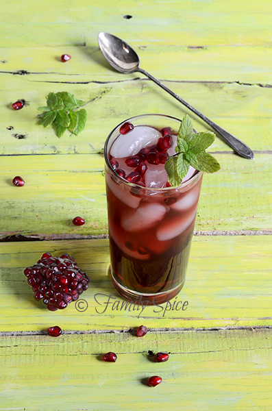 pomegranate-iced-tea-summer-drink-recipes