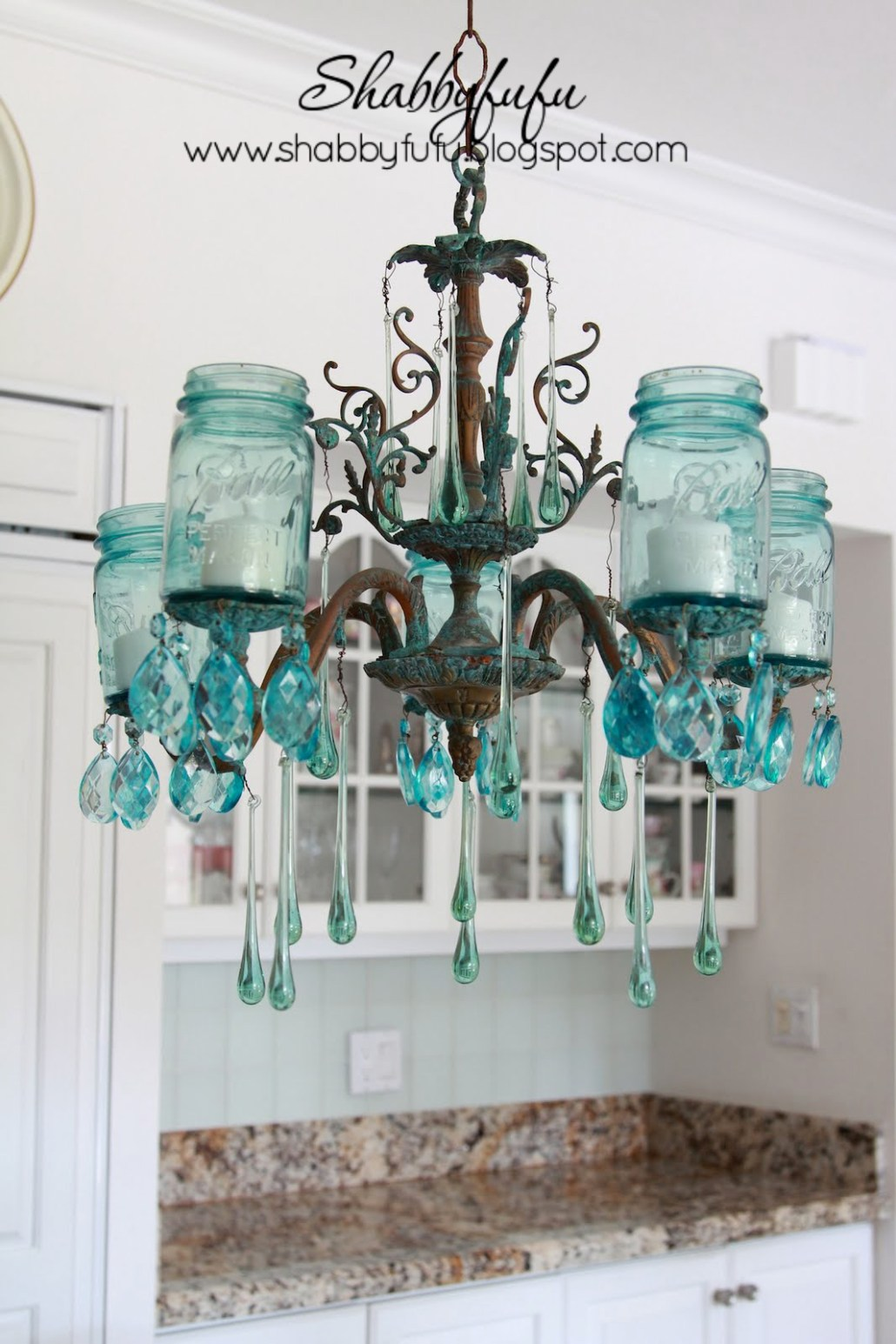 Creative Ways to Light up Mason Jars upcycledtreasures.com