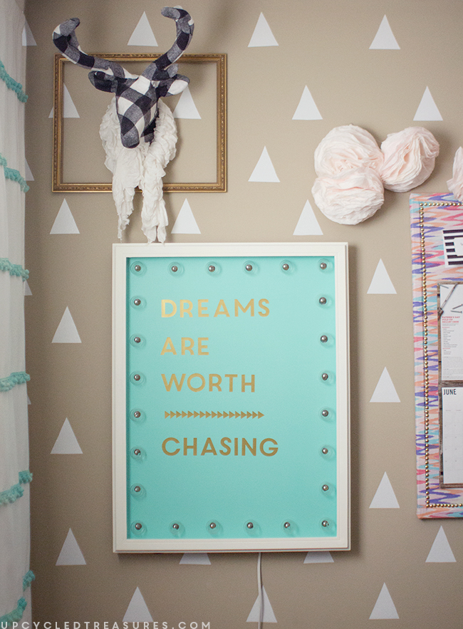 dreams-are-worth-chasing-diy-marquee-sign-upcycledtreasures