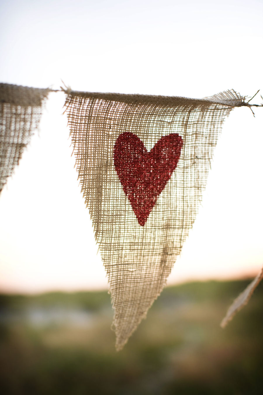 burlap bunting pendants with hearts