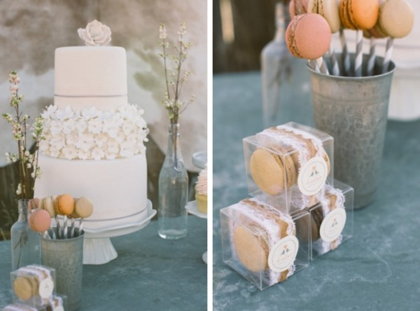 4-Jackson-Hole-wedding-inspiration-wedding-cake-and-macaron-favors