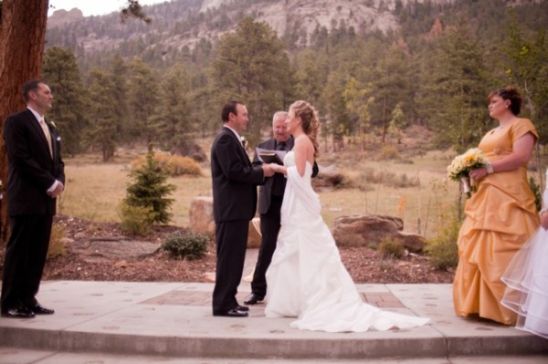 6-mountain-ceremony-KB_Digital_Designs-Estes-Park-Wedding