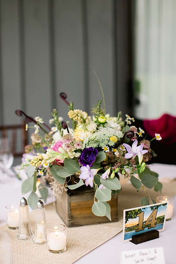 centerpieces in wooden box