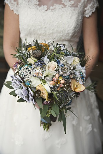 brides rustic winter bouquet