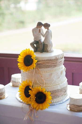 burlap wrapped wedding cake | Colorado Wedding