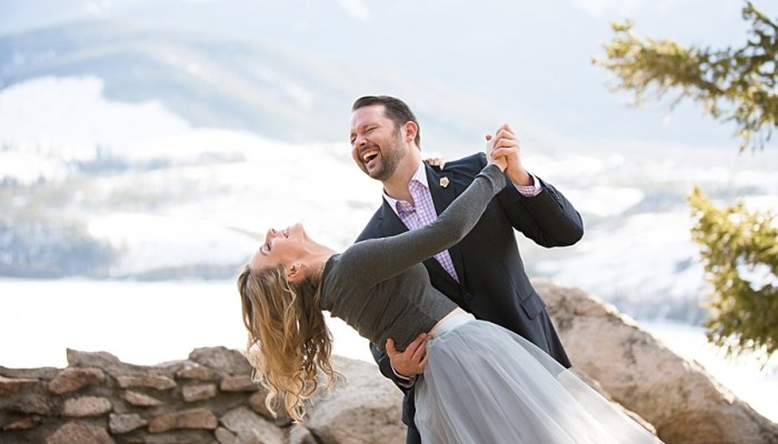 Dreamy Colorado Engagement Session| Photography by Sarah Roshan