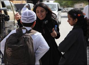 """Haifaa Al-Mansour directs Waad Mohammed in """"Wadjda"""""""
