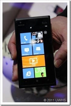UWHS---Nokia-Lumia-900-at-CES-2012--[3]