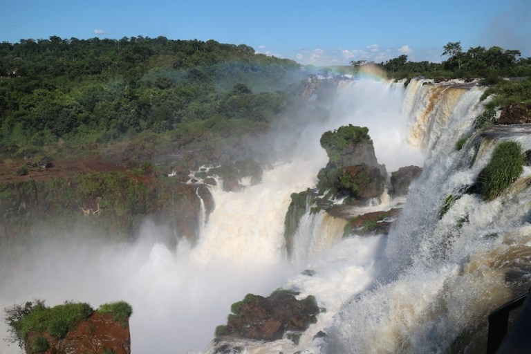 Iguazu Falls view | Moving Peaces