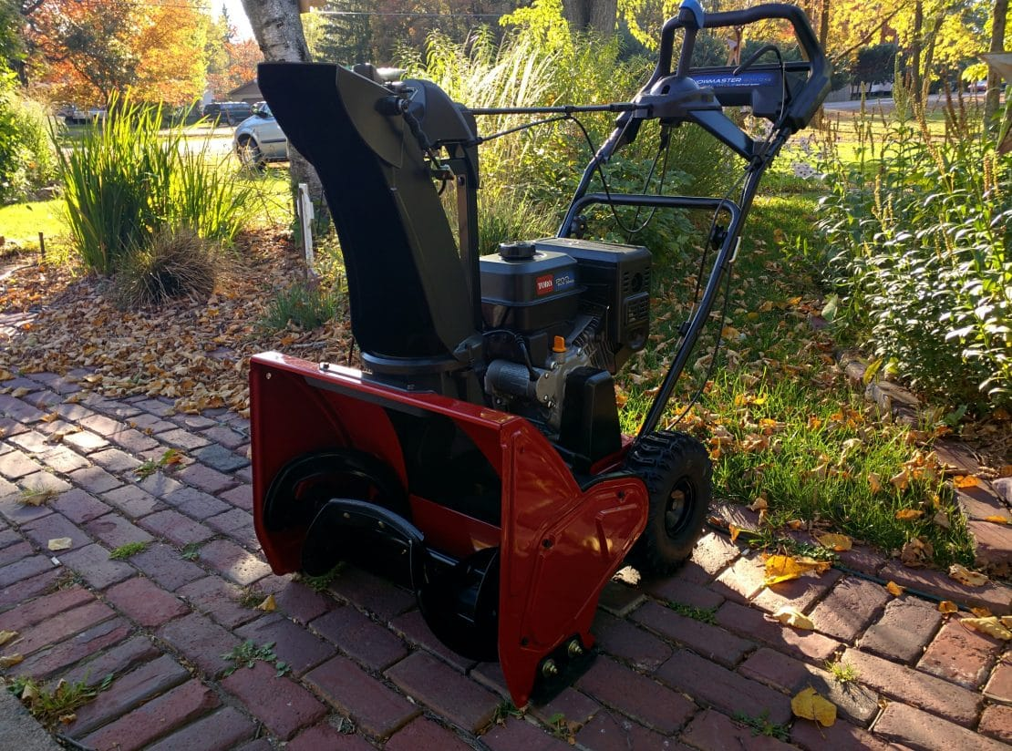 2015 Toro SnowMaster 824 QXE Test on Pavement, Gravel and Turf. It Snowed!