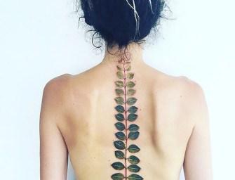 Des tatouages floraux réalisées par Pis Saro