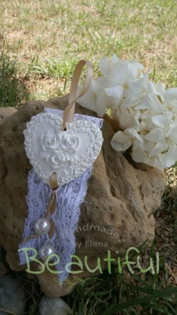 Μπομπονιέρα Γάμου, καρδιά αρωματική με δαντέλα, σατέν κορδελάκι και πέρλες, χειροποίητο.