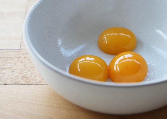 Неожиданно полезно: яичные желтки.