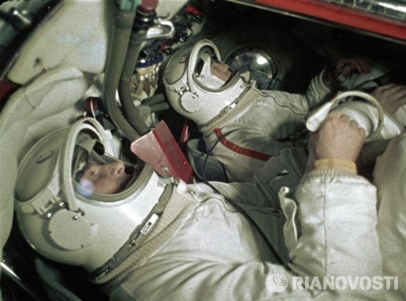 Первый выход человека в космос Алексей Леонов, выход человека в открытый космос