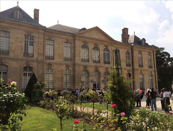The Hôtel Biron today, complete with queue; pic: Steve Sampson