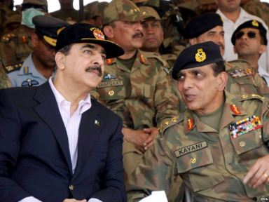 Army Chief General Kayani (right) with Pakistan former Prime Minister Yusuf Raza Gilani