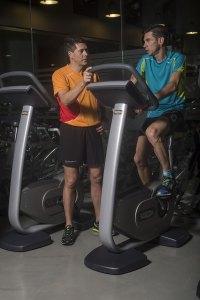 Eros Grazioli con Marco De Gasperi durante un allenamento defalcante