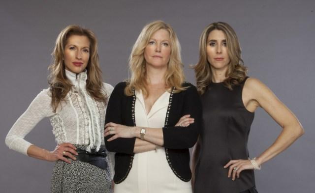 """Alysia Reiner, Anna Gunn e Sarah Megan Thomas, as três principais atrizes de """"Mercado de Capitais"""""""