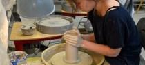 Kamp i keramikverkstaden