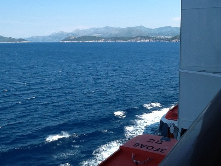 10 reasons to go on a family cruise