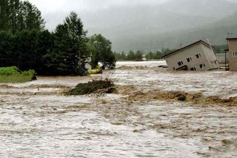 Tufão Lionrock provocou inundações severas em Hokkaido (Foto: Kyodo)