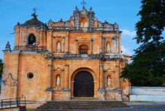 La Parroquia de la Aldea San Pedro Las Huertas en Sacatepequez - foto por DAvis Gt Rojas