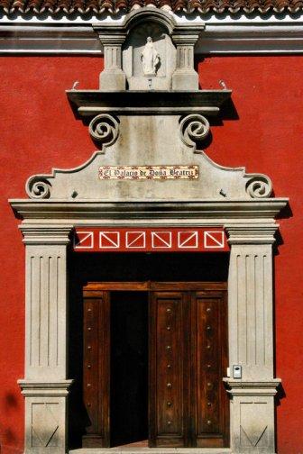 Antigua, El Palacio de Doña Beatriz - Imágenes de Guatemala - foto por Gerardo Orrego
