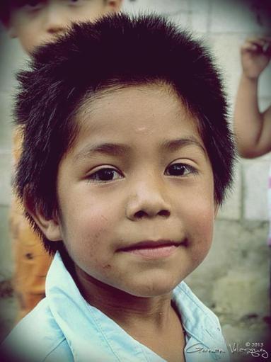 Rostros en Guatemala - patojo en Baja Verapaz - foto por German Velasquez