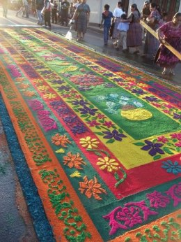 Alfombra de Viernes Santo en Chimaltenango - foto por Joel S Yok