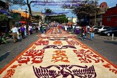 Alformbra de Jueves Santo 2012 - fotos por el reconocido colaborador de MundoChapin.com - Pablo Estrada.