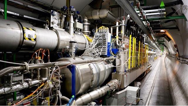 El CERN hará la próxima colisión atómica el próximo mes y otros inquietantes datos
