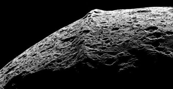 Jepeto-Luna-CASSINI El misterio censurado de la luna