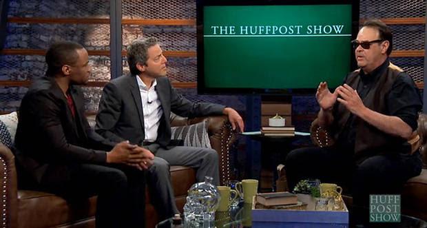 Dan Aykroyd durante la entrevista en The Huff Post Show.