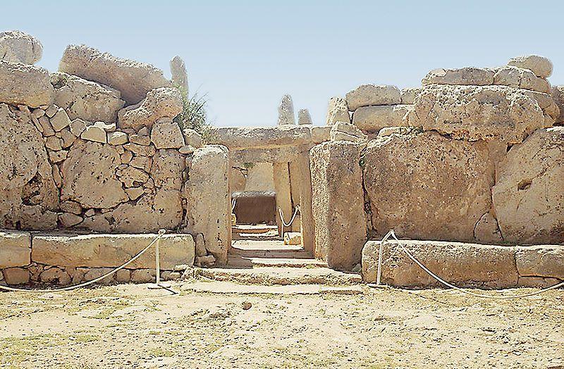mnajdra Templos IMPOSIBLES de una religión PREHISTÓRICA anterior a Adán: Los templos de Hagar Qim en Malta