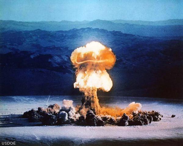 nuke HOLOCAUSTO NUCLEAR EN TIEMPOS REMOTOS