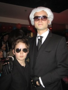 A very convincing Karl Lagerfeld!!
