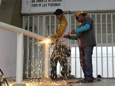 """Inician trabajos de preparación para demoler estadio de fútbol """"Benito Juárez"""": SINFRA"""