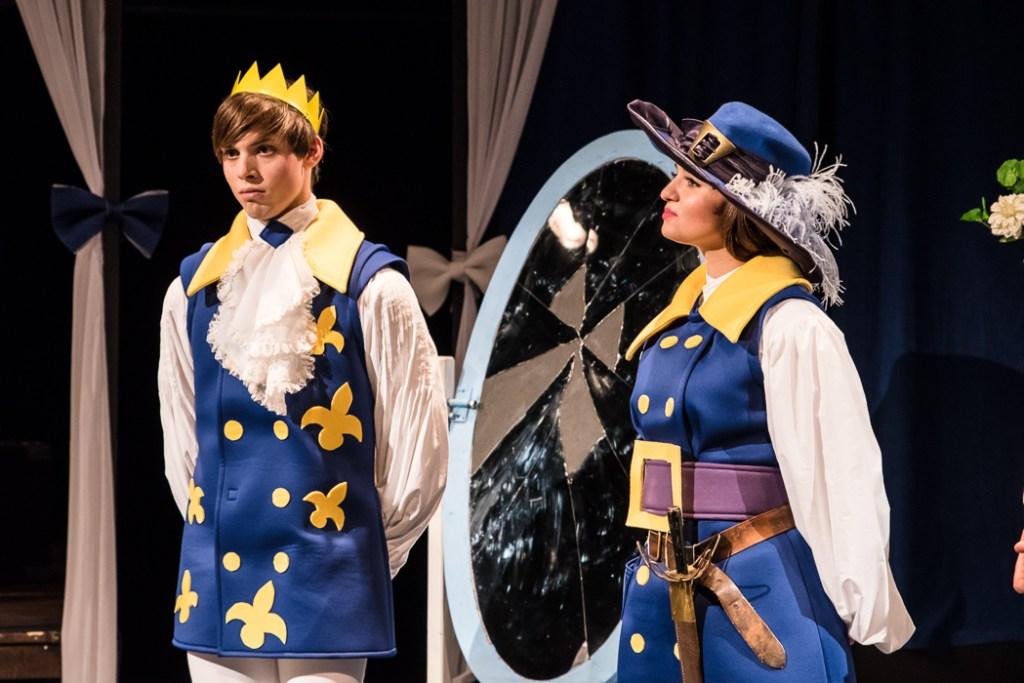 Pavel Klimenda jako princ David a Charlotte Pščolková jako zrcadelnice Běla