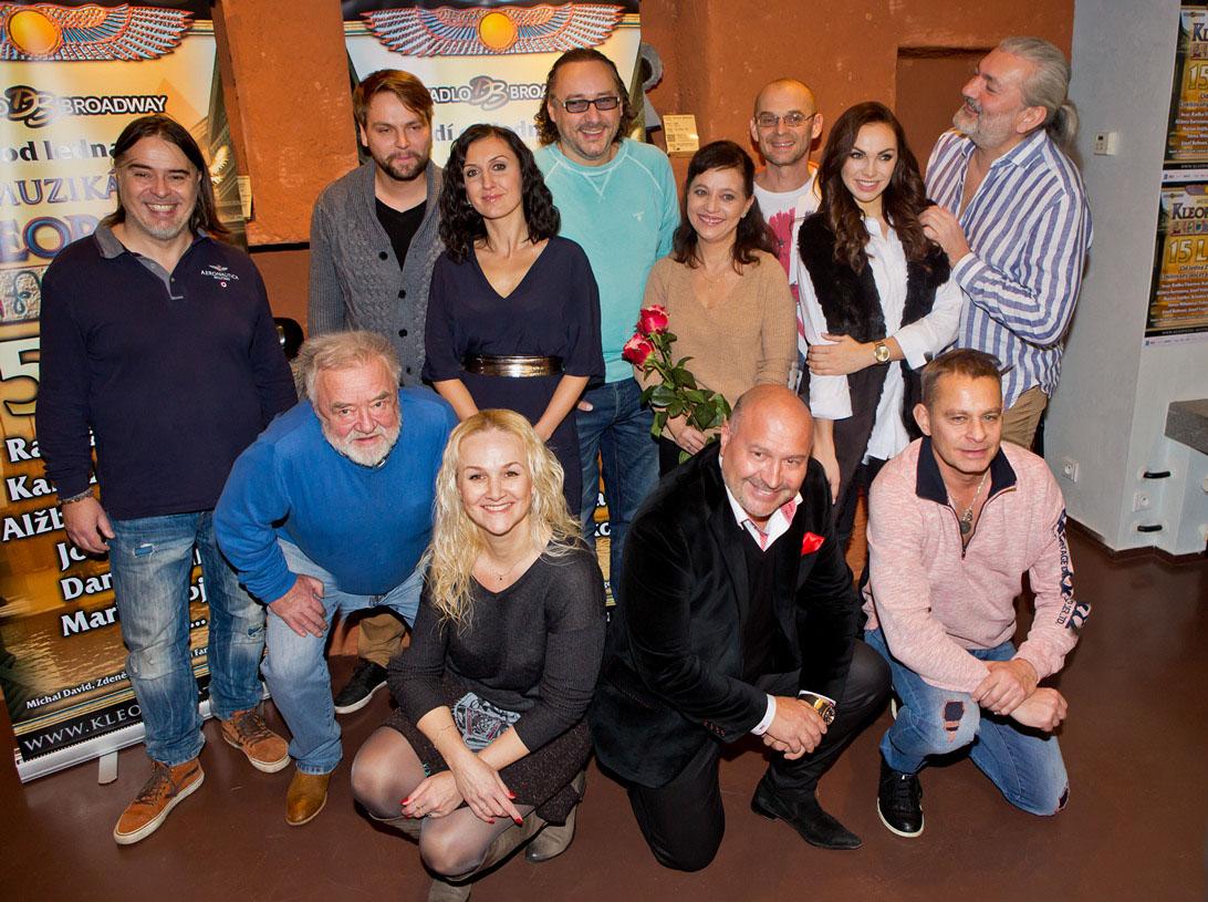 Společná fotografie z tiskové konference