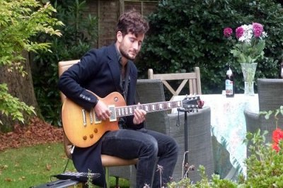 Hire A Solo Loop Artist In London