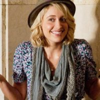 Greta Gerwig Will Lead 'How I Met Your Dad'