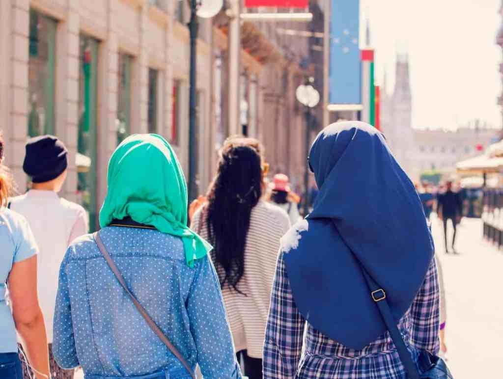 9 Reasons Why Muslim Travellers Should Travel Light