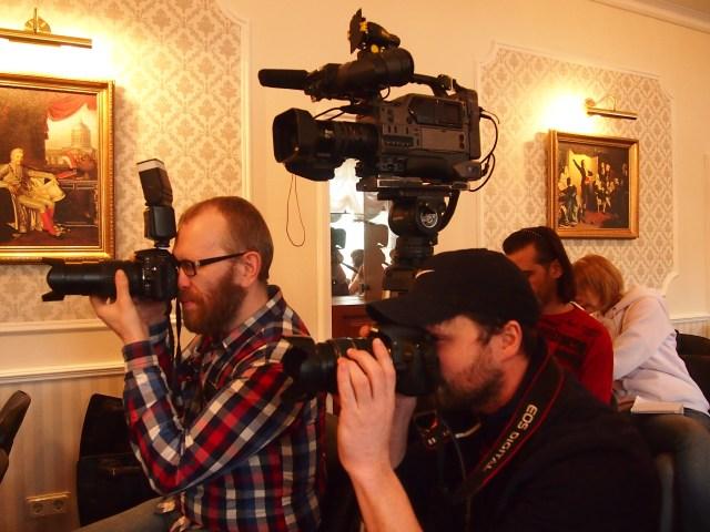 На пресс-конференции. Фото: Валерий Поташов
