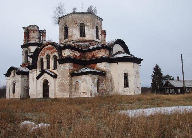 В вепсской деревне Вехручей. Фото: Валерий Поташов