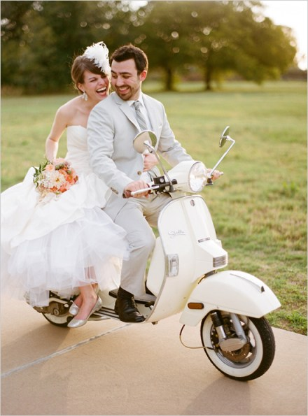 bride-and-groom-on-a-white-vintage_scooter