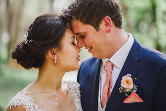 Melanie y Simon, una boda con encanto y un toque rústico