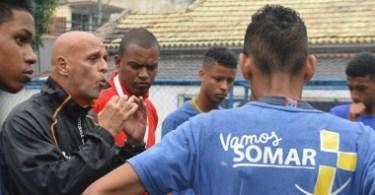 Uri-Geller-visito-a-los-jovenes-de-Solidaridad-en-Marcha-Brasil-SOMAR-Familia-Sodalite-Noticias-P