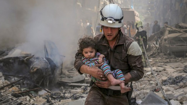 white-helmets-ft-article-header-1