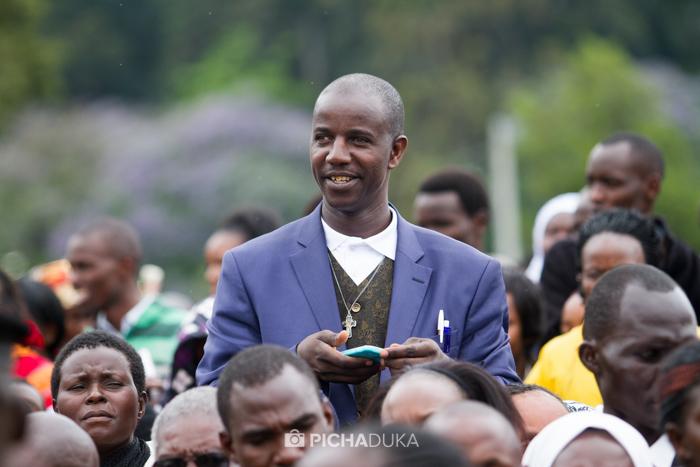 Papal_Mass_Pope_in_Kenya_Mwangi_Kirubi-52