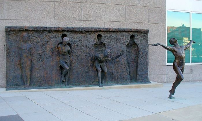 7. Breaking the mold by Zenos Frudakis